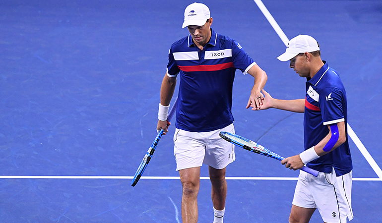 Bryan brothers to play