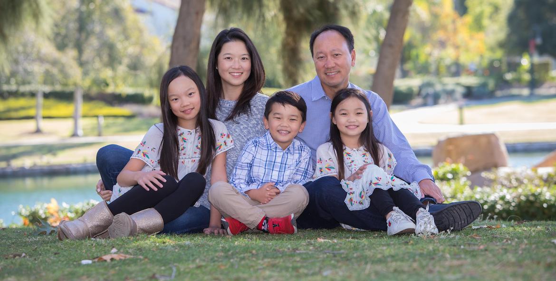 Michael Chang y su familia. (Foto cortesía de Michael Chang.)