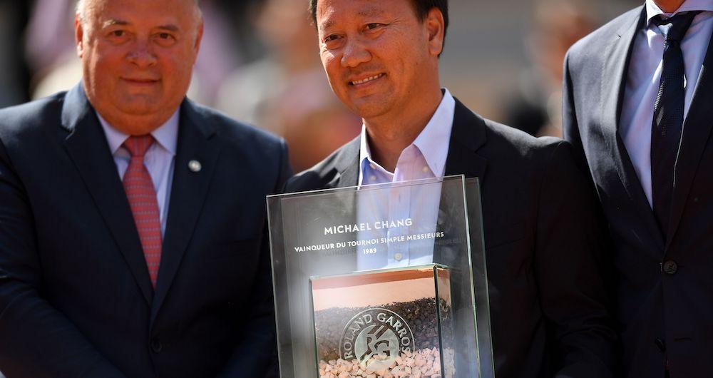 Michael Chang fue homenajeado en París es 2019  por el 30 aniversario de su título del Abierto de Francia. (Crédito de la foto: Getty Images)